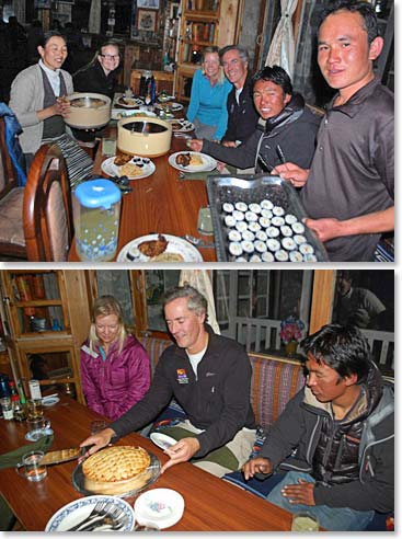 What a treat! Climbers enjoy a fresh home-made dinner from Yangzing and Jeyta's famous apple pie for dessert after an ascent of Island peak.