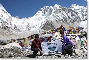 Alessio Adventure team at Everest base camp