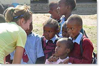 Julia with the students at Linde School, Arusha